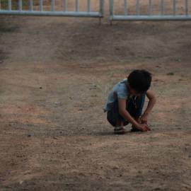1-ground-play-alone-mud-soil-child-823780-pxhere.com